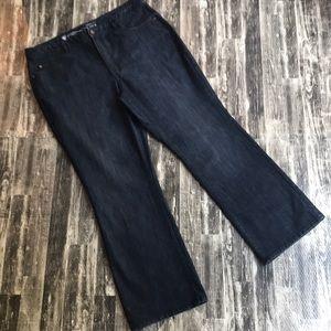 Dark wash bootcut classic fit jean